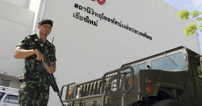 Day 2 of martial law in Thailand stirs confusion