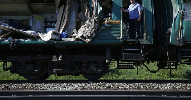 6 dead in train collision near Moscow