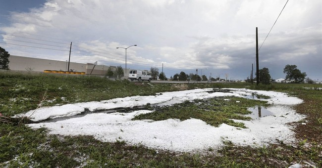 Planes damaged by hail as storm sweeps Denver