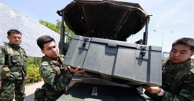 News Guide: Thailand under martial law for 2nd day