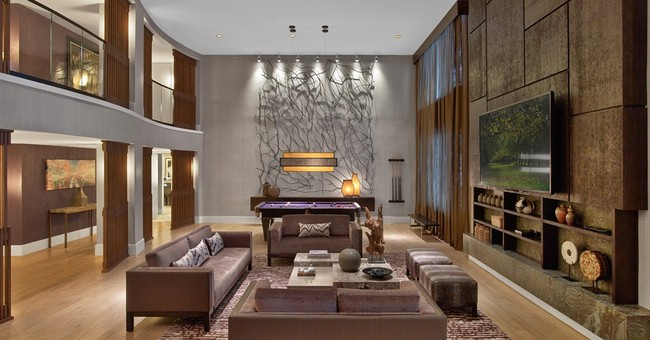 After years of going big, Vegas hotels go boutique