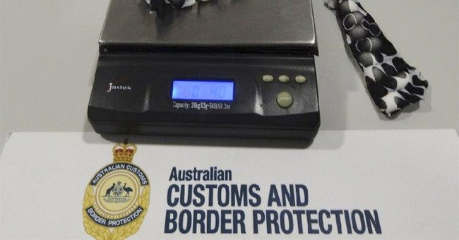Australia alleges smuggler had bird eggs in pants