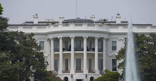 White House looks to soothe lawmaker frustrations