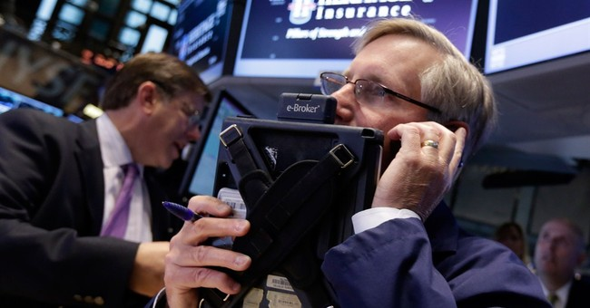S&P 500 closes above 1,900 for first time