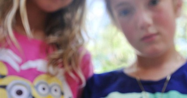 Missing pet pigeon flies to school of young owner