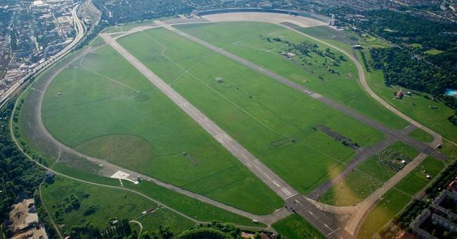 Berliners block development of historic airport