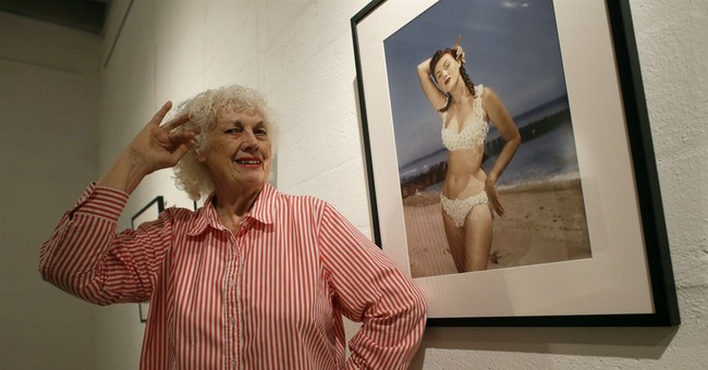 Pin-up photographer Bunny Yeager dies at 85