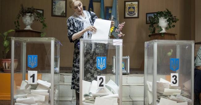 A long line signals hope in a Ukraine neighborhood
