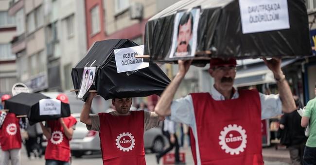 Report: Police detain 15 in Istanbul raids