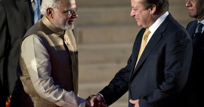 India's new PM meets with leader of rival Pakistan