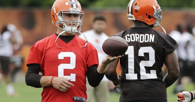 Browns rookie QB Johnny Manziel defends Vegas trip