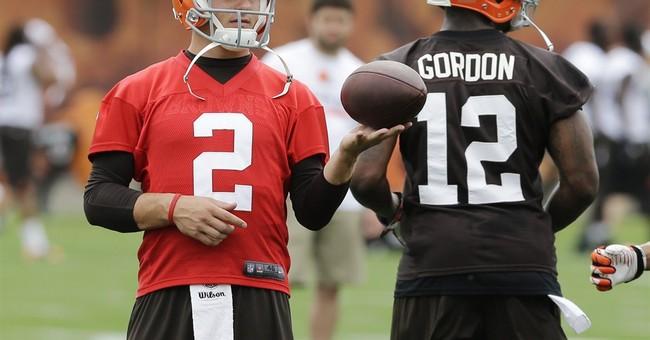Browns rookie QB Johnny Manziel defends Vegas trip