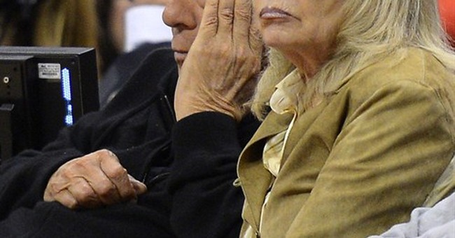 AP Source: Shelly Sterling reviewing Clippers bids