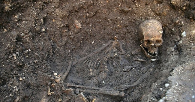 Study: King Richard III maligned as hunchback