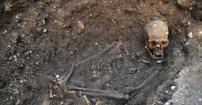Study: King Richard III maligned as hunchback