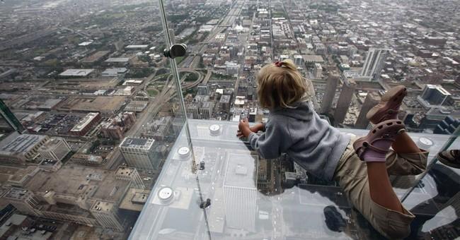 Cracks appear on ledge at Chicago's Willis Tower