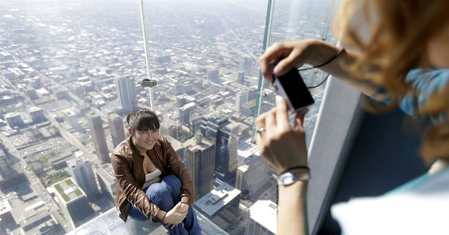 Chicago's Willis Tower bays reopen after cracks