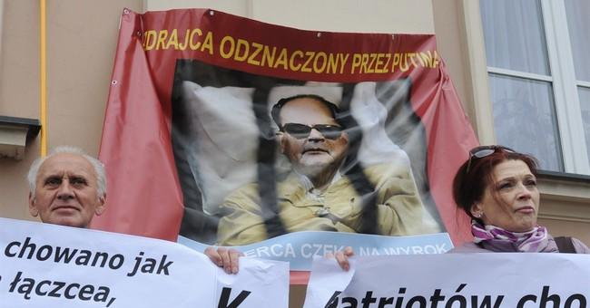 Prayers, protests at Polish general's funeral