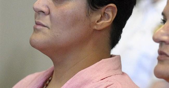 Hernandez's cousin pleads not guilty to contempt