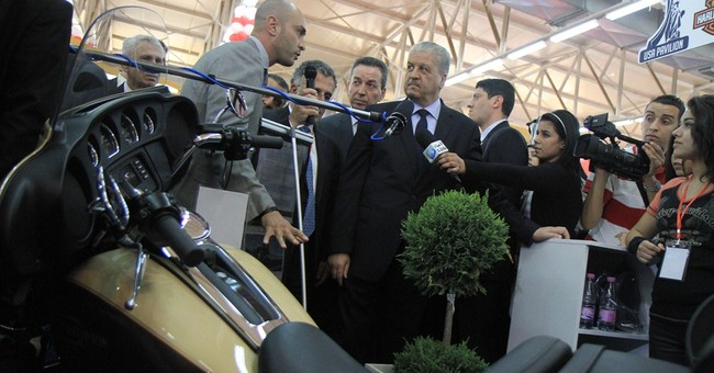 Algeria faces struggle to attract investment