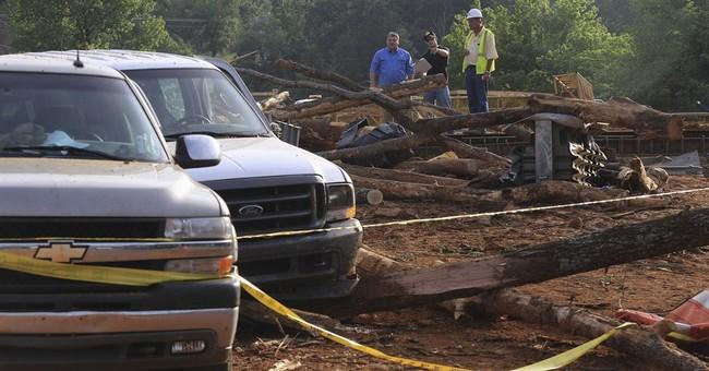 2 killed, 19 hurt in Arkansas logging truck wreck