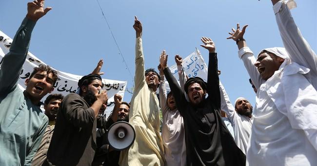 Suicide attack in Pakistan kills 5