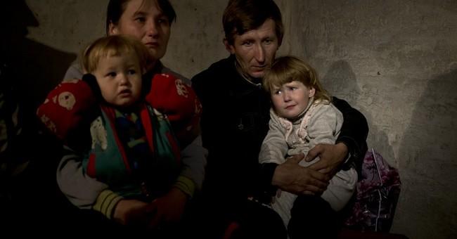 Rebels seize 3 government bases in eastern Ukraine
