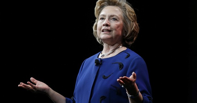 Clinton describes daylight with Obama on Egypt