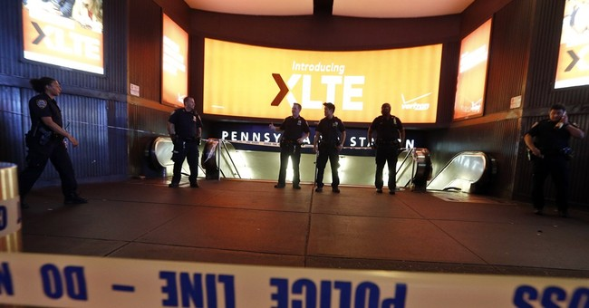 Penn Station closed 1 hour over suspicious package