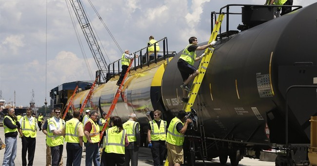 Oil train classroom-on-rails trains responders