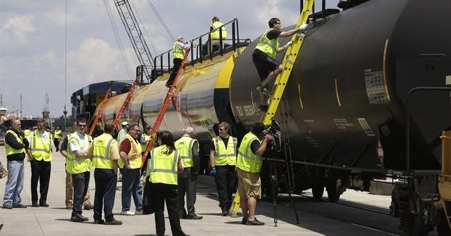 Oil train classroom-on-rails trains responders