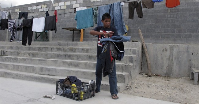 Rumors of asylum raise hopes for migrant families