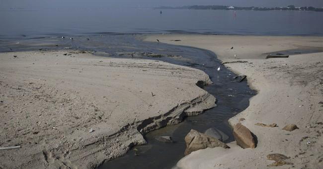 Mayor: Rio will fail to keep pledge to clean bay