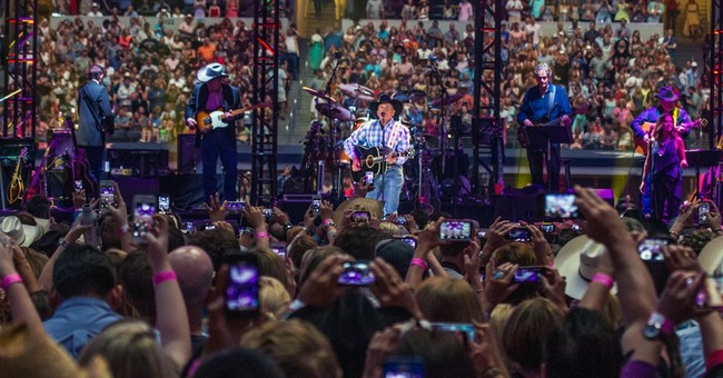 Last stop, Texas, for country star George Strait
