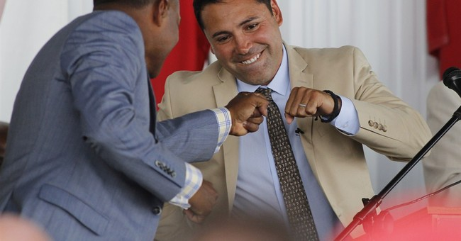 Oscar De La Hoya inducted into Boxing Hall of Fame