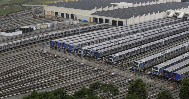 Brazil subway strike on in WCup city despite fine
