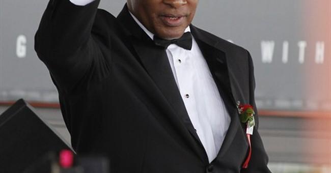 Oscar De La Hoya inducted into Boxing Hall of Fame