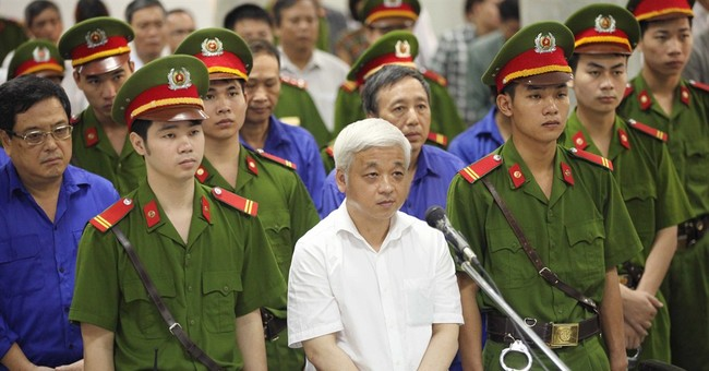 Vietnam tycoon sentenced to 30 years for fraud