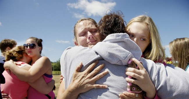 Police: Teen gunman kills student at Oregon school