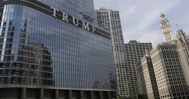 Chicago mayor, billionaire clash over TRUMP sign
