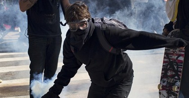 Police and World Cup protesters clash in Brazil