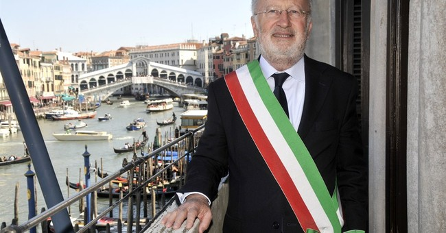Italy's Renzi enhances anti-corruption czar