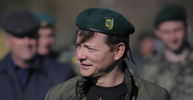 Militant bravado wins support for Ukraine radical