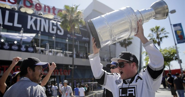 Los Angeles fans bow to Kings as they claim cup