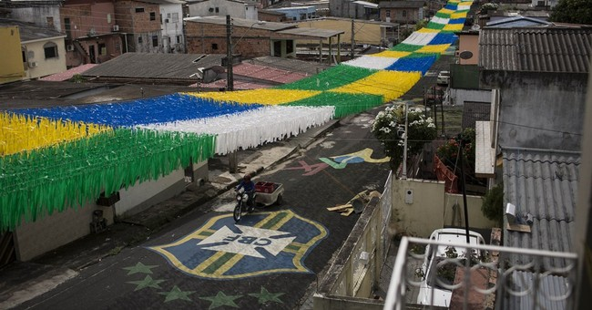 Costly stadium no answer to Manaus' traffic woes