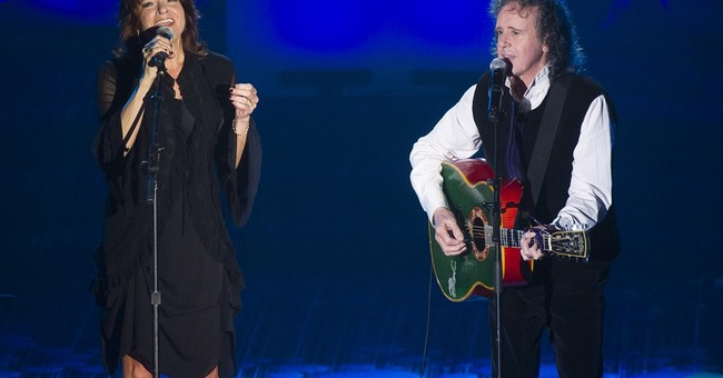 Ray Davies, Donovan inducted into Songwriters Hall