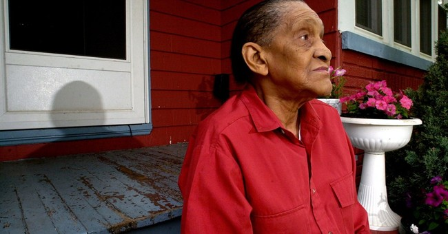 Jimmy Scott, jazzman with ethereal voice, dies