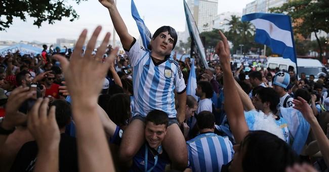 Argentine soccer fans get rowdy in Rio