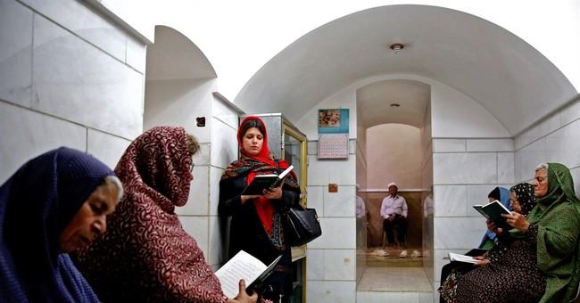 Iran's Zoroastrians celebrate Persian roots
