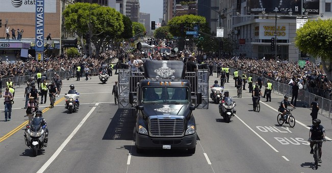 LA Kings celebrate Stanley Cup with parade, rally
